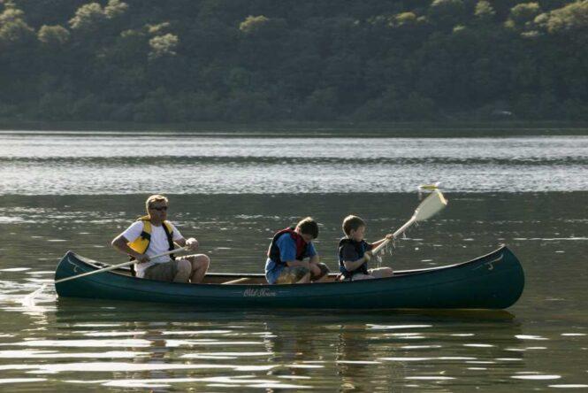 family-kayaking